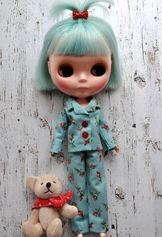 Snuggly Rosebud PJs for Blythe dolls.