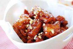 Dakgangjeong (Sweet Crispy Chicken)