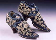 Blue velvet latchet tie shoes, c 1660, reputedly worn by Lady Mary Stanhope. From The Shoe Collection,Northampton Museums & Art Gallery. (I know these are 17th c shoes, not 18th c, but they're just so lovely I had to include them!)