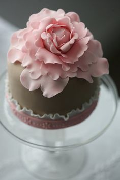 Gorgeous mini #Cake with beautiful #Flower topper! Great #CakeDecorating We love and had to share!