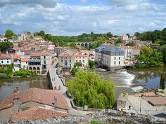 Clisson Loire-Atlantique Saumur, France, Mansions, House Styles, Blog, Home, Nantes, Window Casing, Atlantic Ocean
