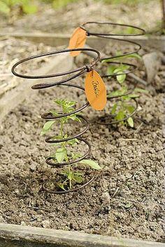 Garden Plant Markers, Garden Plants, Herb Markers, Potager Garden, Garden Trellis, Victory Garden, Edible Garden, Plantation, Garden Inspiration