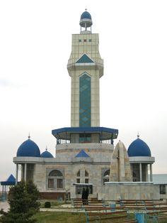 A masjid in Shymkent, Kazakhstan Mosque Architecture, Indian Architecture, Religious Architecture, Beautiful Architecture, Architecture Design, Islamic World, Islamic Art, Beautiful Mosques, Grand Mosque
