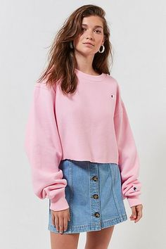 3bc564563e Champion   UO Crew-Neck Cropped Sweatshirt School Outfits