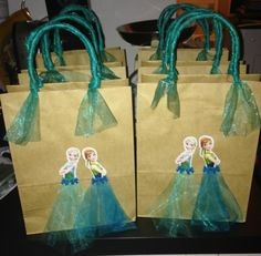 Frozen Fever: First preparations for Rosie's 4th birthday...  Ideas and printables found on Pinterest ❤️❤️❤️