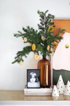 Diy Christmas Ornaments, Christmas Home, White Christmas, Christmas Decorations, Homemade Ornaments, Homemade Christmas, Christmas Tree Jokes, Simple Christmas, Lollipop Decorations