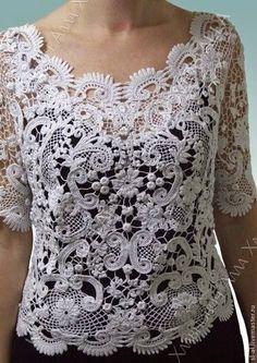 Irish Crochet top design idea uses more motifs and less filler mesh. Crochet Leaf Patterns, Crochet Motifs, Freeform Crochet, Lace Patterns, Filet Crochet, Crochet Lace, Doilies Crochet, Clothes Patterns, Dress Patterns