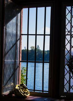 Fenster zum Rhein, Eltville, Germany