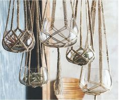Natural rope material for macrame hanging planters give a rustic, boho feel to your home.Here Are Some DIY Instructions to Make a Hanging Plant Holder You can make a simple and trendy macrame vase holder in ten minutes with just a few basic supplies Diy Macrame Plant Hanger, Macrame Plant Hanger Patterns, Macreme Plant Hanger, Diy Hanging Planter Macrame, Hanging Plant Diy, Free Macrame Patterns, Macrame Projects, Diy Projects, Plant Projects