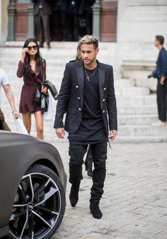 Neymar at Balmain fashion show 28/09/17