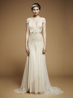 What can I say about Jenny Packham? Other than if I could go back in time I would have so worn a Jenny Packham wedding dress on my wedding dress! Jenny Packham Wedding Dresses, Jenny Packham Bridal, Used Wedding Dresses, Wedding Dress Styles, Hippie Mode, Bridal Gowns, Wedding Gowns, 1920s Wedding, Wedding Ideas