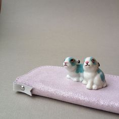 Great ! Cute rétro bunny / shiny leather #madeinfrance#atelierstloup