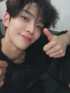 rowoon extraordinary you ; Korean Celebrities, Korean Actors, Kpop, F4 Boys Over Flowers, Chani Sf9, Sf 9, Jung Hyun, Kdrama Actors, Fnc Entertainment