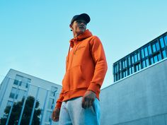 Hard to decide what we like best about this versatile hoodie - the great colors, embroidered logo or ultra-soft fabric. But we do agree it'll be a key item in your casual wardrobe for years to come. Peak Performance, Helly Hansen, Soft Fabrics, Sportswear, Bomber Jacket, Hoodies, Casual, Editorial, Eagle