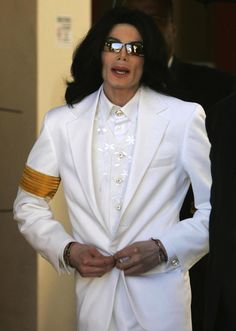 MJ's Court couture(8)White! : マイケルと読書と、、