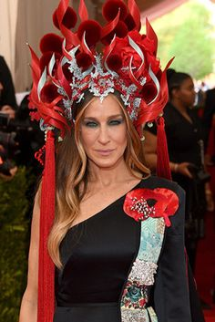 Sarah Jessica Parker's Met Gala 2015 look was a show stopper.