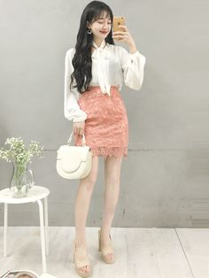 Stylish ideas on korean fashion trends 653 Korean Fashion Trends, Korean Street Fashion, Korea Fashion, Asian Fashion, Girl Fashion, Fashion Looks, Korean Outfits, Trendy Outfits, Girl Outfits