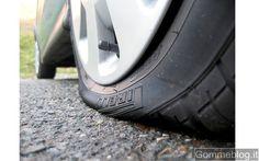 http://www.ambro-sol.it/prodotti/auto/gonfia-ripara-pneumatici-detail.html per ogni imprevisto tieni sempre una bomboletta spray di gonfia e ripara gomme