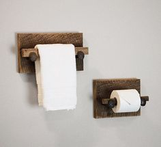 Our entire bathroom rack series! Includes large towel rack, set of two hand towel holders and toilet paper holder. All pieces made from reclaimed barn wood and authentic railroad spikes. Set includes a total of four pieces, choose between varnish clear coat or unvarnished finish.