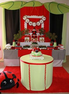 Ladybug Party (love the Ikea Leaves overhead) 3rd Birthday, Birthday Parties, Birthday Ideas, Ladybug Party, Ladybug Decor, Animal Party, Party Animals, Cata, Little Miss
