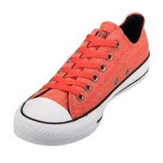 Converse Chuck Taylor Red Clay Low Tops - want a pair! Converse Chuck Taylor All Star, Converse All Star, Chuck Taylor Sneakers, Converse Shoes Men, All Star Shoes, Shoe Sites, Asics Shoes, Shoes Outlet, Top Shoes