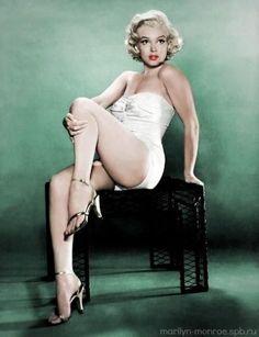 pinup girl, Marilyn <3<3<3