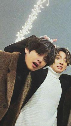 Bts Jungkook, V Taehyung, Taekook, Taehyung Wallpaper, Bts Wallpaper, Billboard Music Awards, Foto Bts, Vkook Memes, Bts Korea