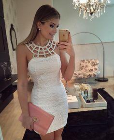 {White✨} Vestido @fernandaramosstore ✨ Renda com bordado ❤️ • #lookdanoite #lookofthenight #ootn #selfie #blogtrendalert Cute Dresses, Casual Dresses, Short Dresses, Fashion Dresses, Formal Dresses, Vogue Fashion, Girl Fashion, Dress Skirt, Bodycon Dress