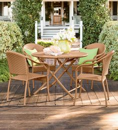 Outdoor Wicker Dining Set, Table and 4 Chairs