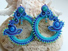 Soutache earrings and chic&shape by Creattivita on Etsy, Beaded Jewelry, Handmade Jewelry, Soutache Earrings, Beaded Embroidery, Jewerly, Swarovski, Shapes, Beads, Chic