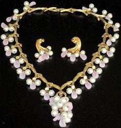 Kramer Amazing Pink Glass Petal Faux Pearl Dangling Necklace Earring Set   eBay