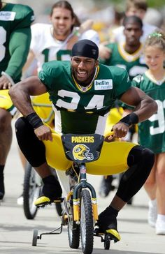 Bikes In Green Bay Packers riding kids bikes