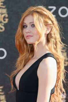 "❤️ Redhead beauty❤️ Katherine McNamara attends the premiere of Disney's ""Alice Through The Looking Glass on May 2016 Beautiful Red Hair, Gorgeous Redhead, Amazing Hair, Beautiful Women, Katherine Mcnamara, Red Hair Woman, Hottest Redheads, Redhead Girl, Strawberry Blonde"