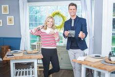@kymdouglas shared all-natural ways to help you beat the bloat this #Summer! Crock Pot Hot Chocolate Recipe, Seaweed Wrap, Help With Bloating, Health Tips, Health And Wellness, Flatten Tummy, Good Stretches, Carbonated Drinks