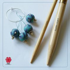 NEW summer 2014 collection ~ MAK- Peacocks handmade light snag-free stitch markers gift - set of four with silver-plated holder by Cathliin from prawelewe. Published in Seven Rainbows.