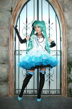 Hatsune Miku awesome cosplay!