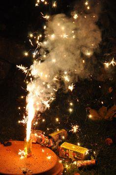 5th November Bonfire Night Guy Fawkes, Guy Fawkes Night, Samhain, Mabon, The Fifth Of November, Square Snaps, Fireworks Pictures, Gunpowder Plot, Autumn Day
