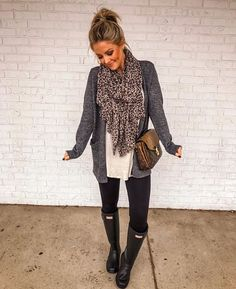 love this outfit for a rainy fall day! fallfashion rainyday rainboots  Teacher