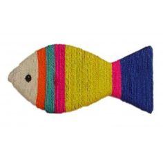 Je suis un poisson mais pour manger. Je suis un poisson pour que mon ami le chat se défoule sur moi. Je m'appelle griffoir.