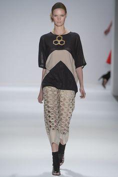 Vivienne Tam Spring 2013 Ready-to-Wear