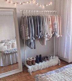 Teen Girl Bedrooms cozy image - An exiciting yet powerful pool of bedroom decor ideas. Stored under teen girl bedrooms small space , nicely created on this perfect date 20190711 Cute Bedroom Ideas, Cute Room Decor, Room Ideas Bedroom, Girl Bedroom Designs, Trendy Bedroom, Bedroom Inspo, Bed Room, Dorm Room Designs, Teen Room Decor