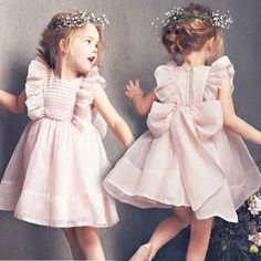 Best 12 Children dress cotton 48 Ideas Page 639792690793974813 SkillOfKing. Baby Girl Dress Patterns, Baby Dress Design, Dresses Kids Girl, Kids Outfits, Flower Girl Dresses, Fashion Kids, Baby Girl Fashion, Toddler Fashion, Kids Gown