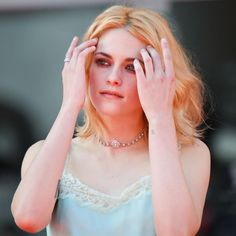 Kristen Stewart, Barbara Palvin, Celebs, Celebrities, Images Gif, Celebrity Crush, Role Models, Actors & Actresses, Girlfriends