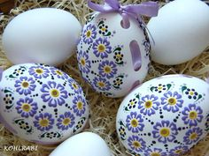 Egg Crafts, Easter Crafts, Egg Shell Art, The Colour Of Spring, Egg Tree, Ukrainian Easter Eggs, Chocolate Bunny, Dot Art Painting, Faberge Eggs