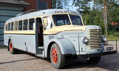 Sisu L-54 1948 – Aito ja alkuperäinen Classic Trucks, Classic Cars, Ashok Leyland, New Bus, Map Pictures, Used Trucks, Bus Coach, Van Camping, Bus Driver