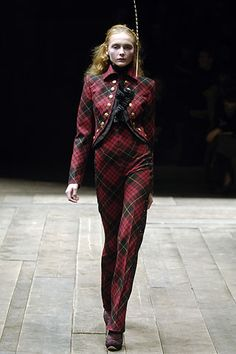 Alexander McQueen Fall 2006 Ready-to-Wear Collection Slideshow on Style.com