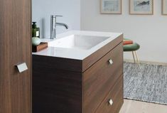 Duravit has worked with designer Christian Werner to design a furniture series that represents airiness, freshness and joie de vivre in today's bathroom. Duravit, Bathroom Faucets, Small Bathroom, Bathroom Ideas, Bathrooms Online, Cabinet Trim, Contemporary Bathroom Designs, Small Showers, Luxury Shower