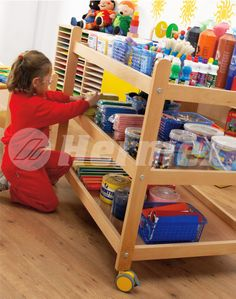 Mueble para manualidades escolares