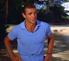 The style of James Bond: From Sean Connery to Daniel Craig. Connery defined the role, but Craig makes a damn good modern Sean Connery James Bond, Kevin Costner, Old Hollywood Stars, Classic Hollywood, Sean Connory, James Bond Style, James Bond Movies, Daniel Craig, Great Movies