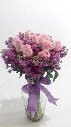 dcba34e2c5 Hermoso arreglo en cristal con 12 rosas